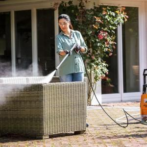 czyszczenie myjką ogrodu